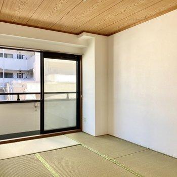 【和室】3色のコントラストが和の雰囲気を引き立てています。