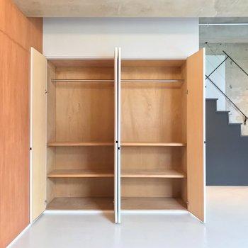 【4階部分】こちらは棚もあり便利ですね。