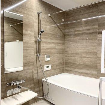 追焚き、浴室乾燥機付のお風呂には、さらにミストシャワーまで!