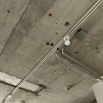 天井がとってもかっこいいんです。※通電前・クリーニング前の写真です