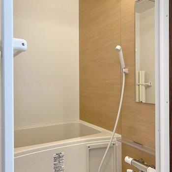 浴室乾燥機付きなので、梅雨の時期も安心ですね。