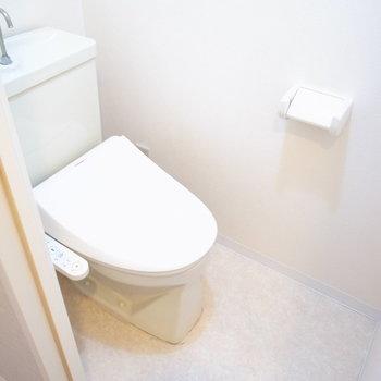 トイレはウォシュレットタイプ!