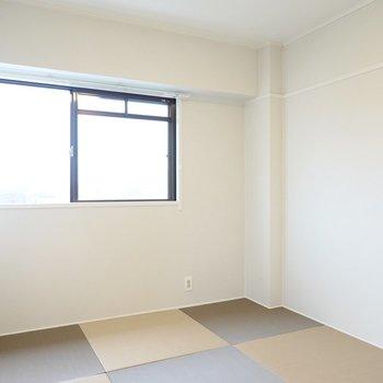 和室は6帖。お子さまの遊び場として、布団を並べて寝室として、多用途に使えます。