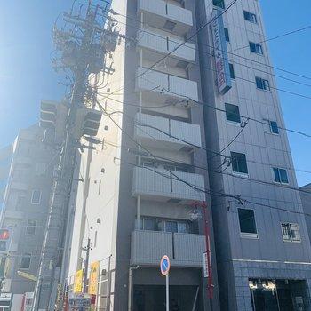 8階建ての6階のお部屋です。