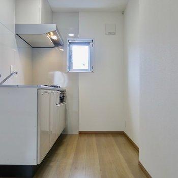 調理スペースも広く(※写真は2階同間取り別部屋のものです)