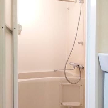 浴室乾燥ついています。