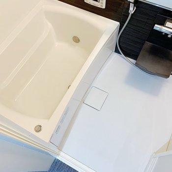 お風呂はかなりゆったり◯追い焚き機能もついてて長居してしまうな〜。