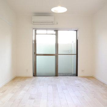 家具を選ばないお部屋なので、お気に入りをデザインしましょう。
