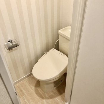 トイレはウォシュレット付きで快適♩