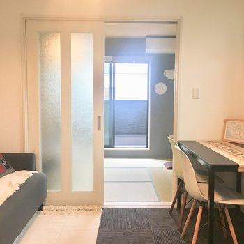 DK側が洋室、奥が和室となっております