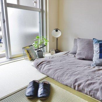 布団も良いですが、実は和室はベッドも似合う空間。