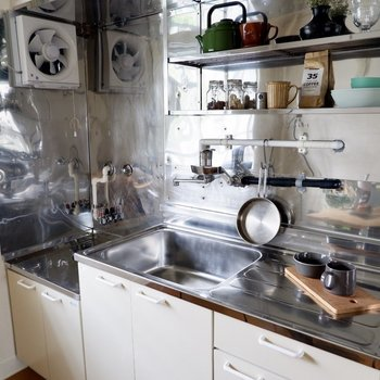 カットスペースもゆったりの使い勝手の良いキッチン。
