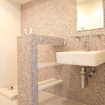 デザインがステキな洗面台(※写真は6階の同間取り別部屋のものです)