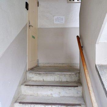 階段をのぼってお部屋へ。