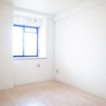 洋室は過ごしやすい6帖です。お子さんのお部屋にぴったり。