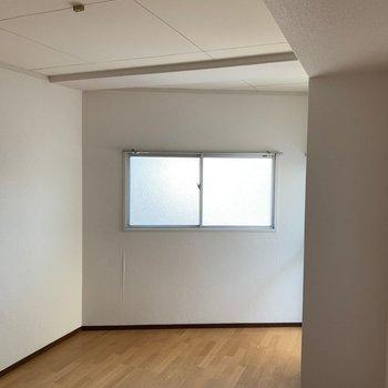 【工事前】カクカクの洋室②