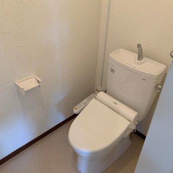 トイレはもともと綺麗なので、そのまま使います