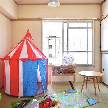 【和室4.5帖】子供部屋として日当たり、広さともに良さそうです。