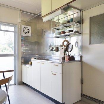 収納が多いのが嬉しいキッチンです。