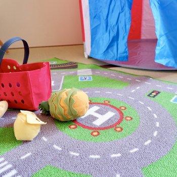 和室だと子供を床で遊ばせるのも安心ですね。