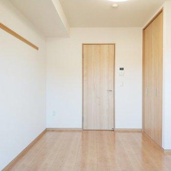 あぁ、気持ちのいい空間です。※写真は2階の同間取り別部屋のものです