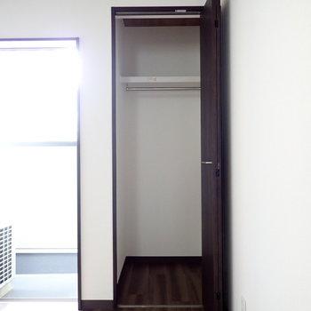 2階のクローゼットは2つあります。
