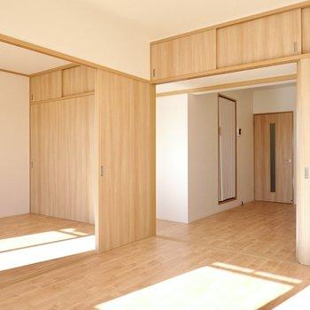 無垢調の床と木目調の建具に包まれた、フレキシブルなリノベーション!