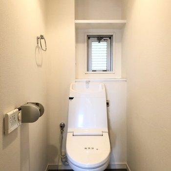 トイレはスタイリッシュなものがあります。