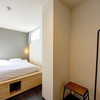 居室は個室タイプになっているのでプライベートも守られます。