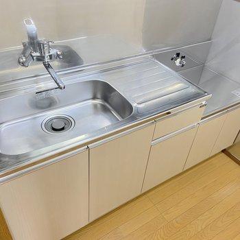 【DK】シンクが広いので洗い物もしやすそうですね。