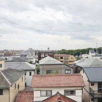 5階のお部屋なので空の広い景色を楽しめますよ。