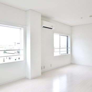 LDKはなんと15.5帖も!窓の開放感も活かした余白のある空間にできます。
