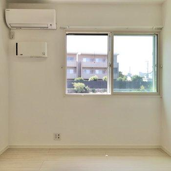 【LDK】こちらにもエアコンが設置済み。