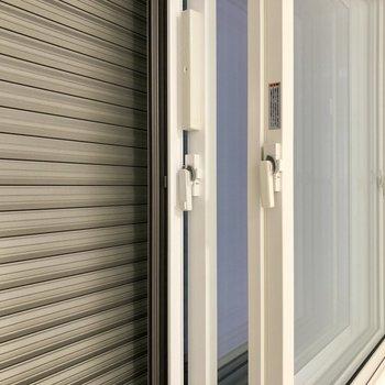【LDK】窓は2重でシャッター付き。