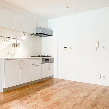 【LDK】お部屋に馴染む白いキッチン
