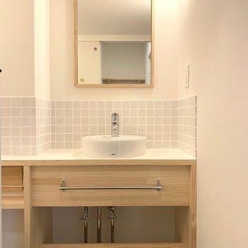 【完成イメージ】洗濯機置き場の反対側には、コンパクトだけど可愛いデザインの洗面台。