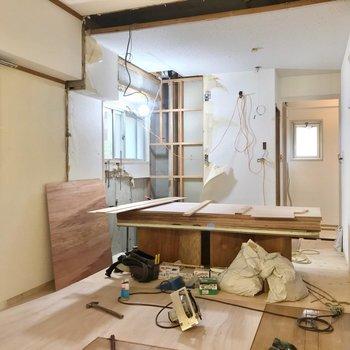 【工事中】左奥にはキッチンがくる予定。たのしみですね。