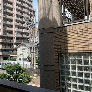 眺望はお隣さんが近いけど、横をみると抜けています!