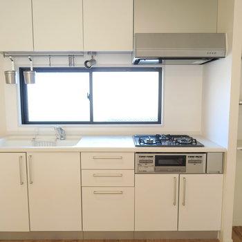 【完成イメージ】窓のあるキッチン。