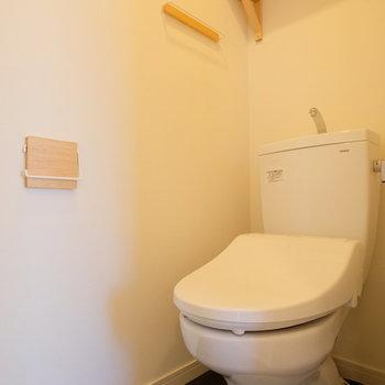 【完成イメージ】新品トイレ。小物にもこだわって、棚もつけて使いやすさも重視。