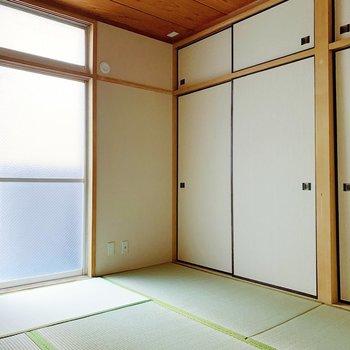 【和室6帖】ここは寝室かな。