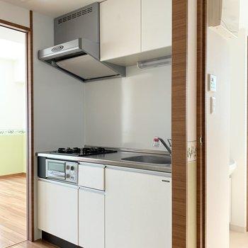 キッチンは大きめ!ここはシンプルめに。