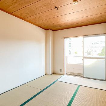 和室も同じ約6帖。子どもの遊び場にしても、みんなで寝る寝室にしても◎