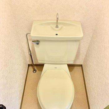 落ち着きのある個室トイレ。