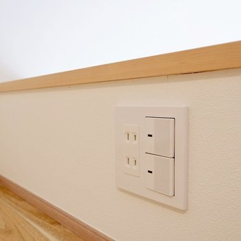 照明のスイッチとコンセントがありました。ロフトでもスムーズに電子機器が使えます。