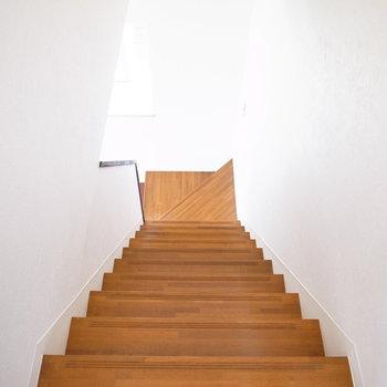 1階のLDKへ降りていきましょう。
