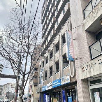 吉塚駅からもとっても近い通り沿いのマンションです。