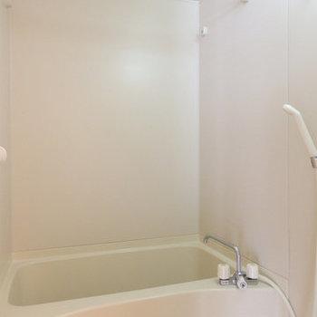 お風呂はノーマルです。※写真は4階同間取り・別部屋のものです。