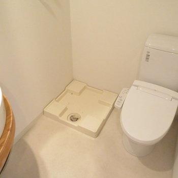 水回りは凝縮(※写真は10階の同間取り別部屋のものです)