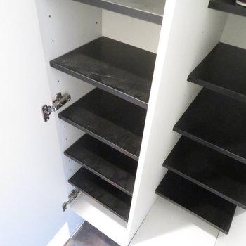 シューズボックスも大きめのサイズ(※写真は10階の同間取り別部屋のものです)